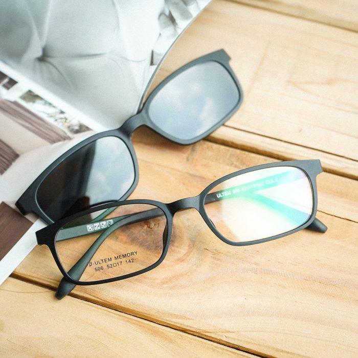 Kiểm tra chất lượng của kính râm trước khi mua