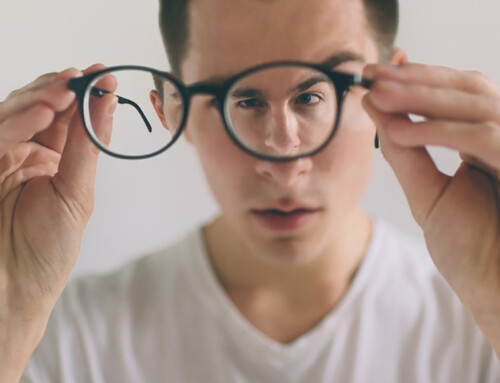Tác hại khôn lường khi đeo kính lệch tâm
